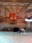 AppleStore_hatsuuri2010_1.jpg